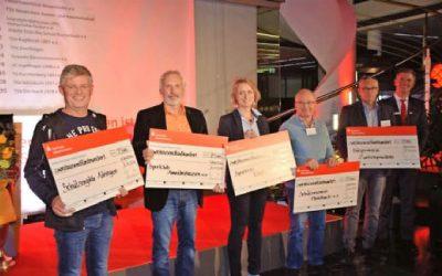 Viele strahlende Gewinner bei der Spendenübergabe der Sparkasse Hohenlohekreis